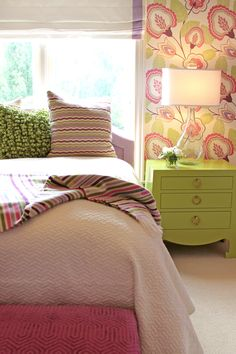 Girl's room in pink & green.