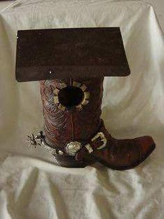 nichoirs du web Birdhouses, Oeuvre D'art, Cowboy Boots, Images, Beautiful, Woodworking Joints, Nesting Boxes, Recycling, Originals