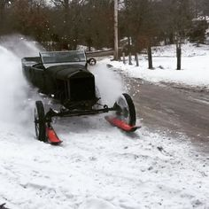 @thefrozenfew snow T got a full tune up from @seanbrayton for next weekends trip to Milwaukee for @mamatriedshow . @glenmartin2019