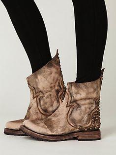 free people boots #aquarocks