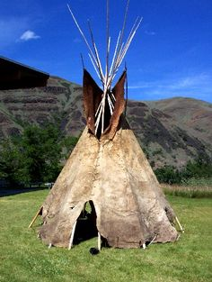 Nez Perce Tipis | Buffalo Hide Tipi at Nez Perce National Park.