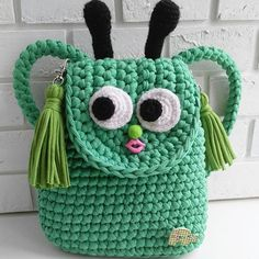 """Рюкзачок""""Мистер Пи""""-забавный зелёный человечек и верный друг малыша .Дружит с малышами от годика и примерно до 5 лет.Неприхотливый, вместительный,яркий.Размеры ~20*22 см.Подружку себе нашел #handmade_mannia"""