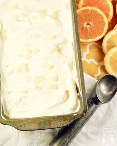 Tutti Frutti Ice Cream - this ice cream is refreshingly, citrusy ice cream made from fresh squeezed orange and lemon juice with banana and candied lemon/orange peels. Cold Desserts, Frozen Desserts, Frozen Treats, Delicious Desserts, Dessert Recipes, Dinner Recipes, Orange Ice Cream, Banana Ice Cream, Homemade Ice Cream