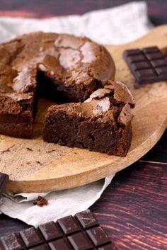 Fondant au chocolat plus que fondant Cake & Co, Food Stamps, 20 Min, Cocktail Recipes, I Foods, Fudge, Chocolate Cake, Bakery, Sweet Treats