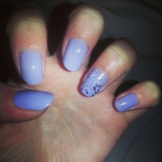Purple shellac, glitter ring finger, nail art