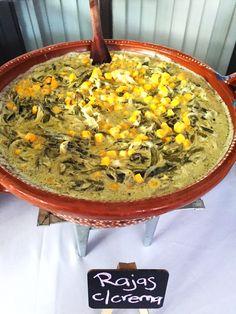 Guisados Mexicanos; rajas de chile poblano cocinadas con crema y granos de elote.