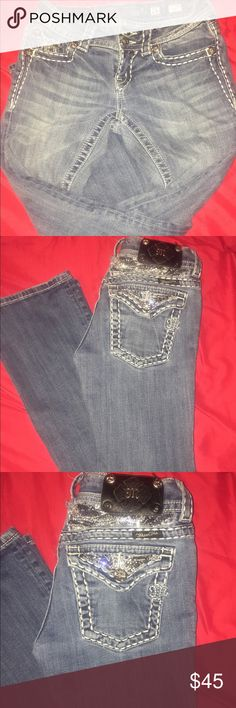 miss mes like new . barely warn buttons on back missing due to me trying to see if i can fit them they popped off other than that they just like new Miss Me Jeans Boot Cut