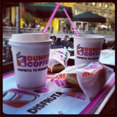 ¡Un café en pareja en Dunkin' Coffee!