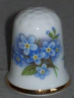 Fingerhut Thimble Oakley China England | eBay