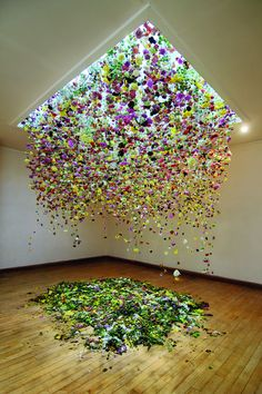"""Interview: Floral Installations Transform Gallery Spaces Into Immersive Indoor Gardens Hanging Flowers Installation Art by Rebecca Louise Law.The Hated Flower"""", Coningsby Gallery, London Arte Floral, Deco Floral, Flower Installation, Artistic Installation, String Installation, Projection Installation, Instalation Art, Hanging Flowers, Floating Flowers"""