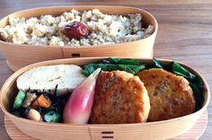 鶏つくねバーグ(山椒)、出汁巻き、ひじき豆(オクラ)、茗荷甘酢、蔓紫お浸し、玄米ご飯320g