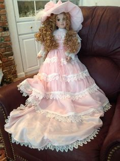 """Spectacular Jo Knight 27"""" Signed and Numbered 440 of 2 000 Victorian Doll 