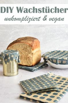 Oilcloths and oilcloth bread bags. Made very easy. Make your own oilcloths without beeswax, vegan with Japanese wax (= berry wax), simple and uncomplicated, DIY, Thermomix. Mason Jar Crafts, Mason Jar Diy, Bottle Crafts, Berry, Cuisines Diy, Bread Bags, Diy Hanging Shelves, How To Make Paper, Diy For Kids