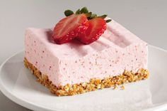 Strawberry Margarita Dessert: Love a frozen margarita? This one takes the cake. A strawberry, lime juice and cream cheese filling tops a pretzel crust for a perfect way to chill out. Ice Cream Desserts, Strawberry Desserts, Köstliche Desserts, Frozen Desserts, Dessert Recipes, Strawberry Pretzel, Kraft Foods, Kraft Recipes, Strawberry Margarita