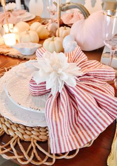 Home for Thanksgiving – Lovely Livings Fall Home Decor, Autumn Home, Fall Cleaning, Thanksgiving Table, Party Planning, Table Decorations, Blog, Christmas, Design