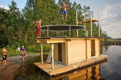 Photo Credits: Jyri Heikkinen and Saunalautta If you enjoyed this unique floating tiny cabin you'll love our free daily tiny house newslett Cabana, Trailer Casa, Lakefront Property, Tiny House Cabin, Tiny Houses, Relax, Floating House, Boat Design, Saunas