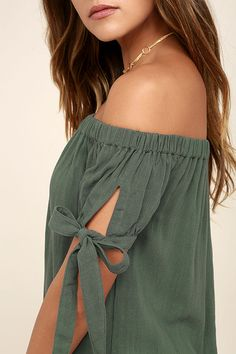 The perfect dinner date starts with the Al Fresco Evenings Olive Green Off-the-Shoulder Dress! Cute dress with a shift silhouette and tying short sleeves. Casual Dresses For Teens, Outfits For Teens, Cute Dresses, Off The Shoulder, Shoulder Dress, Olive Green Dresses, Romantic Outfit, Camisa Polo, Vacation Dresses