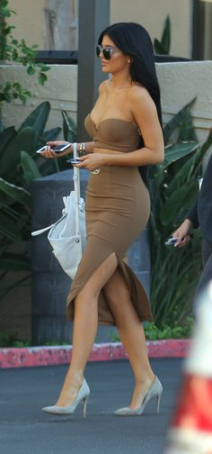 """Kylie stopping by Westfield Topanga in Woodland hills 10/13/15 """