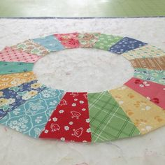 Bee In My Bonnet: Dresden Plate Tutorial using Sew Simple Shapes