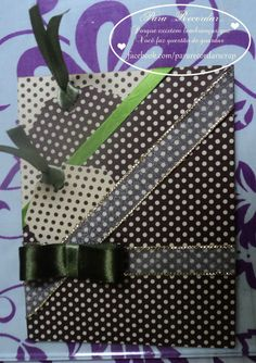 Cartão especial, com tags e decorado com fitas.