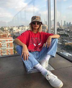 Fifteen Vintage Streetwear Looks To Try RN - Aesthetic Fashion, Look Fashion, Aesthetic Clothes, Fashion Outfits, Aesthetic Vintage, 90s Fashion, Urban Aesthetic, Fashion Clothes, Fashion Women