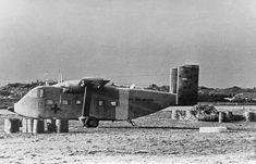 Skyvan PA-54. Detrás se ve un Pucará.