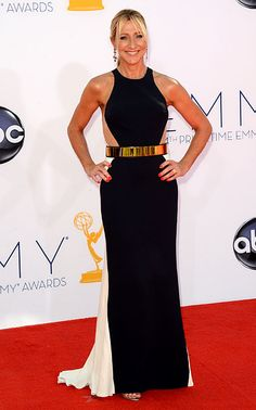 Edie Falco - She looked fantastic at the Emmy Awards last night!