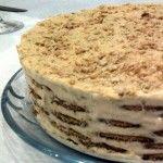 Receita do Bolo de Bolacha Sweet Desserts, Sweet Recipes, Delicious Desserts, Cake Recipes, Dessert Recipes, Yummy Food, Portuguese Desserts, Portuguese Recipes, Portuguese Food