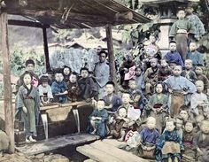 Large group of rural children. Retro Pictures, Old Pictures, Old Photos, Japanese History, Japanese Culture, Old Images, Vintage Images, Japan Landscape, Japanese Castle