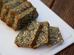 Máte rádi makovec? Vyzkoušejte úžasný recept na makový chlebíček bez tuku, navíc se spoustou bílkovin a dalších živin. Po medu krásně voňavý, po máku luxusně křupavý a díky sýru krásně …