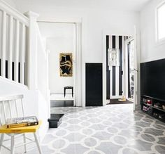 Traditional Black and White Hallway Design Ideas Style At Home, Black And White Hallway, Black White, White Walls, Striped Hallway, Entryway Flooring, Tile Entryway, Tile Flooring, Ceramic Flooring