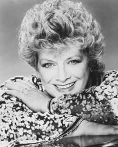 Rosemary Clooney ~ (05/23/1928 - 06/29/2002) age 74. Singer, Actress, Writer.  Aunt  to actor George Clooney.