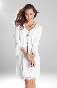 Przepiękna sukienka marki Happy Holly z ozdobnym haftem i koronką, idealna na upalne dni! http://www.halens.pl/moda-damska-rozmiary-specjalne-na-gore-5828/sukienka-barbro-556060?imageId=393880&variantId=556060-0002
