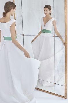 05ac10b12a6 Carolina Herrera V-Neck A-Line Wedding Dress with Green Belt Fall 2018