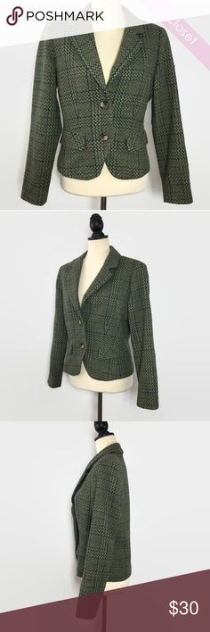 CAbi Drak Green Wool Blend Tweed Blazer Gently Worn  CAbi Drak Green Wool Blend Tweed Blazer   This green patterned tweed blazer by CAbi is the essence of office chic.   Approximate  Shoulder 15' Bust 38' Sleeve Length 37.5' Length 22'  74% Wool 24% Nylon 2% Polyester CAbi Jackets & Coats Blazers