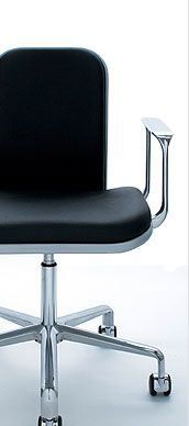 Supporto Chair low wide back