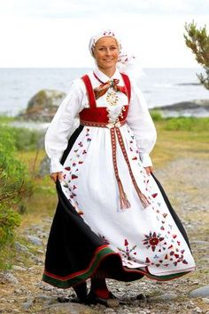 Bunad from Aust-Agder, Norway Folk Costume, Costumes, Norwegian Clothing, Beautiful Norway, Historical Costume, World Cultures, Scandinavian Style, Traditional Dresses, A Boutique