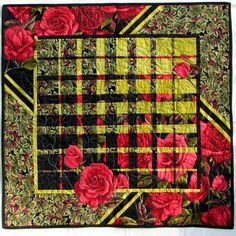 Roses Converging – Quilt With Us