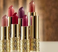 Oriflame Geordani Gold Jewel Lipstick  Lipstik yang lembut dan lembab, dan tahan lama
