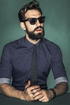 Mens fashion / mens style men's haircut / beards & mens fashion stylesMaury Travis hang