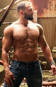 FOR THE LOVE OF - Pecs