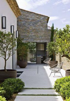 Jolie maison provençale contemporaine #architecture #design #maison #provençale #houses #architect