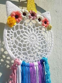 Crochet Dreamcatcher Pattern, Crochet Mandala, Crochet Home, Crochet For Kids, Making Dream Catchers, Dream Catcher Patterns, Crochet Wall Hangings, Crochet Keychain, Crochet Unicorn