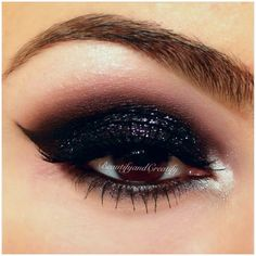 Gorgeous Makeup: Tips and Tricks With Eye Makeup and Eyeshadow – Makeup Design Ideas Black Eye Makeup, Eye Makeup Tips, Makeup Ideas, Dark Makeup, Black Nails, Black Glitter, Glitter Uggs, Glitter Nikes, Glitter Pigment
