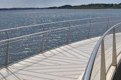Footbridge, Håhammaren, Hafrsfjord Design: Karen Hatleskog Zeiner, construction: Jo Gaute Fornes (Multiconsult) Pedestrian Bridge, Landscape Architects, Railing Design, Karen, Railings, Pipes, Bridges, Tube, Architecture