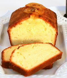 Lemon Pound Cake with Wild Blueberry Sauce __________________________ Tish Boyle Sweet Dreams Mexican Food Recipes, Sweet Recipes, Dessert Recipes, Pound Cake Recipes, Cake Flavors, Pavlova, Sweet Bread, Rich Cake, Gourmet
