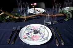 Salainen puutarha hääkattaus. Dunin Vallila-malliston Charlotte Pink -lautasliina. Via Häät.fi www.haat.fi/aiheet/ajankohtaiset/mika-on-taman-kesan-kaunein-haakattaus