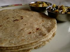 Indian Cuisine: Jonna Rotte ~ Traditional Jowar Roti