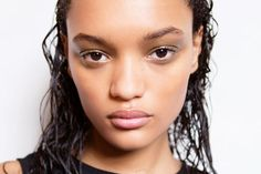 This Is Why You're Getting Pimples on Your Scalp (and How to Get Rid of Them) Cystic Acne Remedies, Cystic Acne Treatment, Natural Acne Remedies, Best Acne Treatment, Natural Cures, Herbal Remedies, Natural Hair, Overnight Acne Remedies, Top