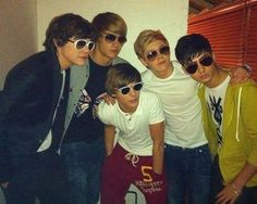 Image uploaded by London. Find images and videos about one direction, niall horan and louis tomlinson on We Heart It - the app to get lost in what you love. Fetus One Direction, One Direction Pictures, One Direction Memes, I Love One Direction, Niall Horan, Zayn Malik, Boys Who, My Boys, One Direction Wallpaper